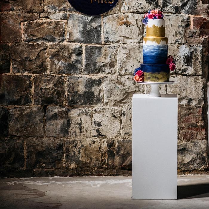 Pedestal/Plinth; White 70cm